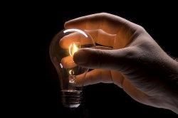 Кто изобрел лампочку?