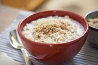 Как варить овсянку на воде и молоке?