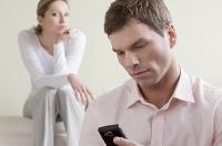 Муж любит виртуальные знакомства: что делать?