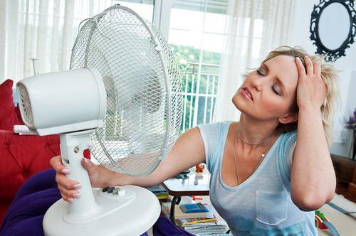 Как облегчить приливы при климаксе комфортная менопауза