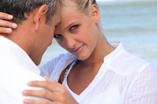 название отношения с женщиной старше Швейцарии, Сан-Марино руб