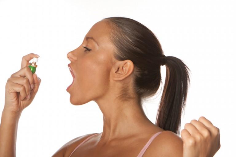 плохой запах изо рта причины по утрам